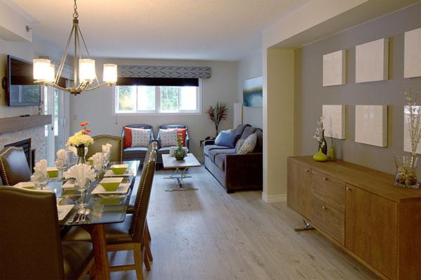 Club Cranberry Livingroom